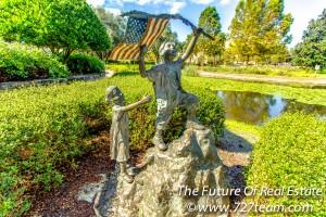 Largo Central Park Statue