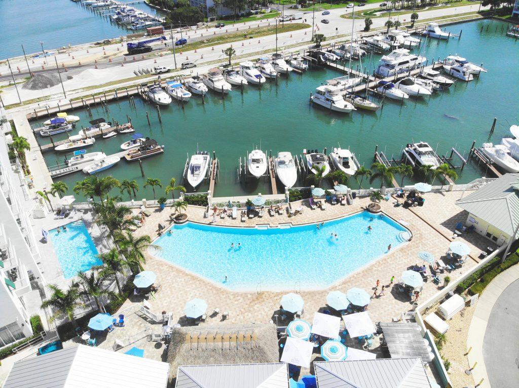 pool boat waterfront tierre verde